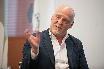 Herr Grünfeld auf dem Podium