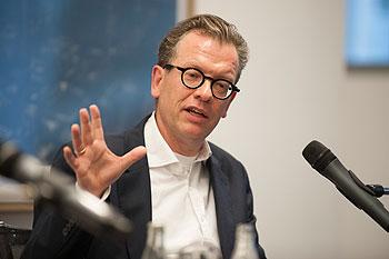 Herr Grunenberg auf dem Podium